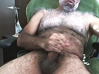 Viejo haciendose una paja amateur (gay) bear (gay) daddy (gay)