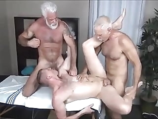 ALLEN & JAKE-TWO DADDIES MASSAGE 31:00 2020-02-27